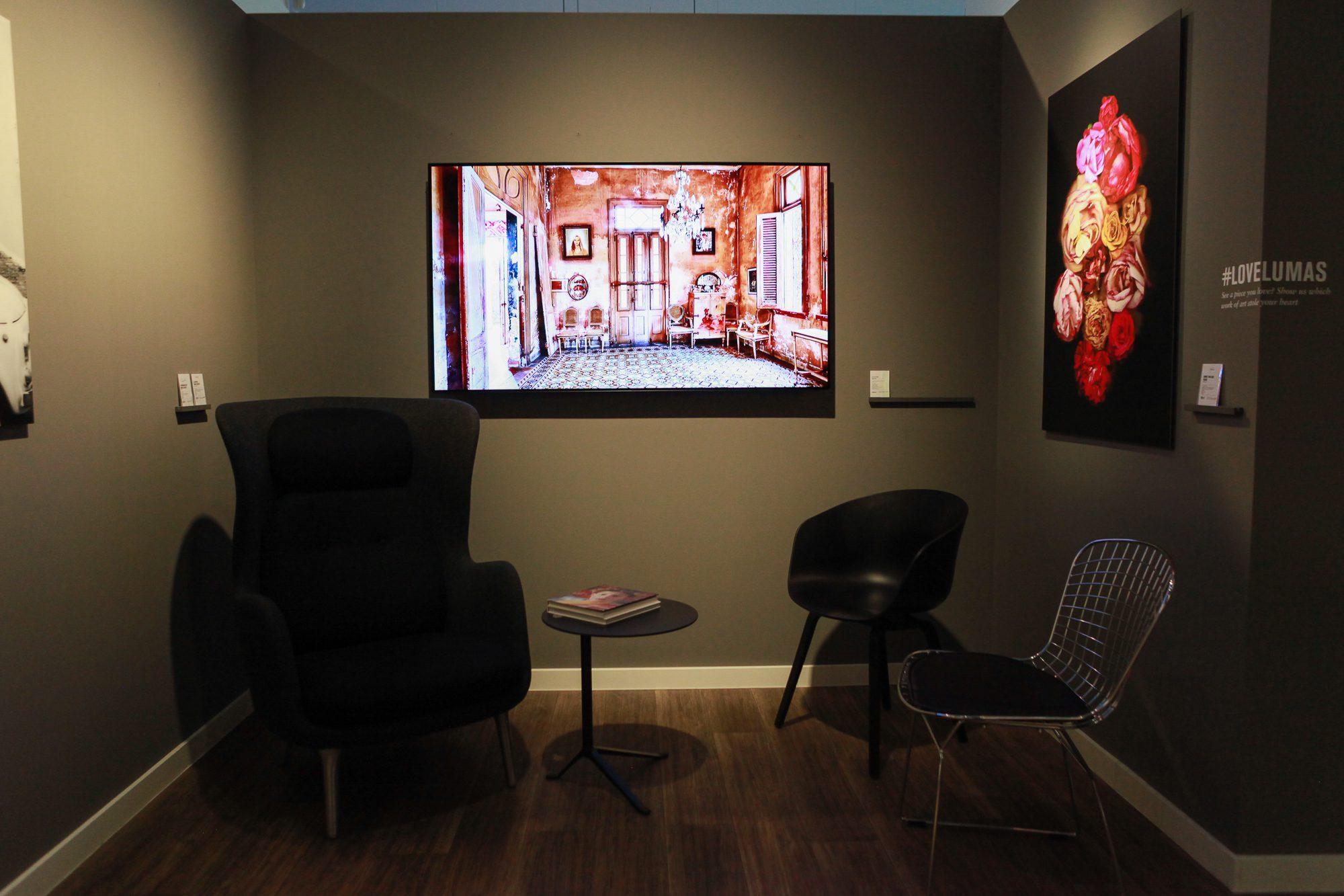 LG OLED – Mint kép a falon